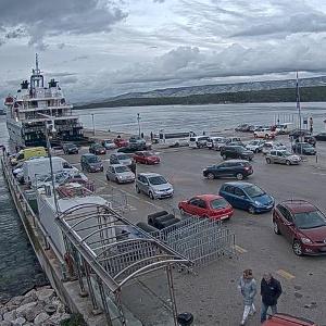Ferries-HAK